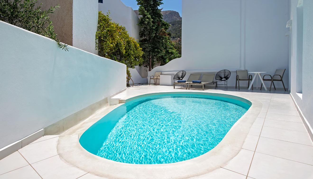 Pool Suites 0000 108